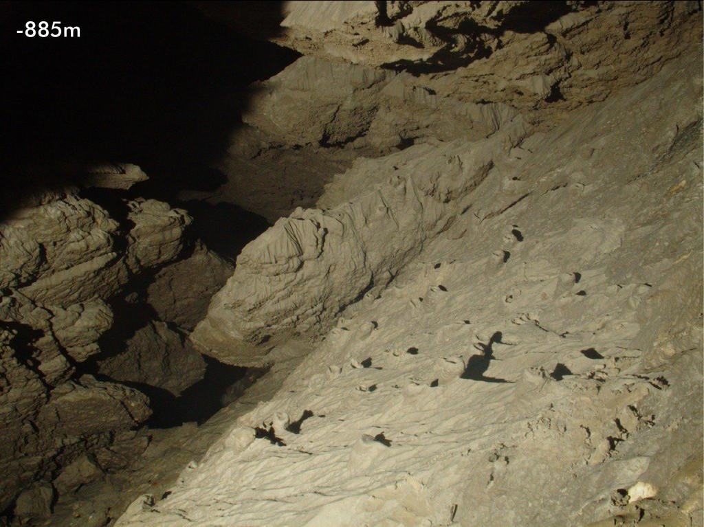 Mud deposits Photo -885m