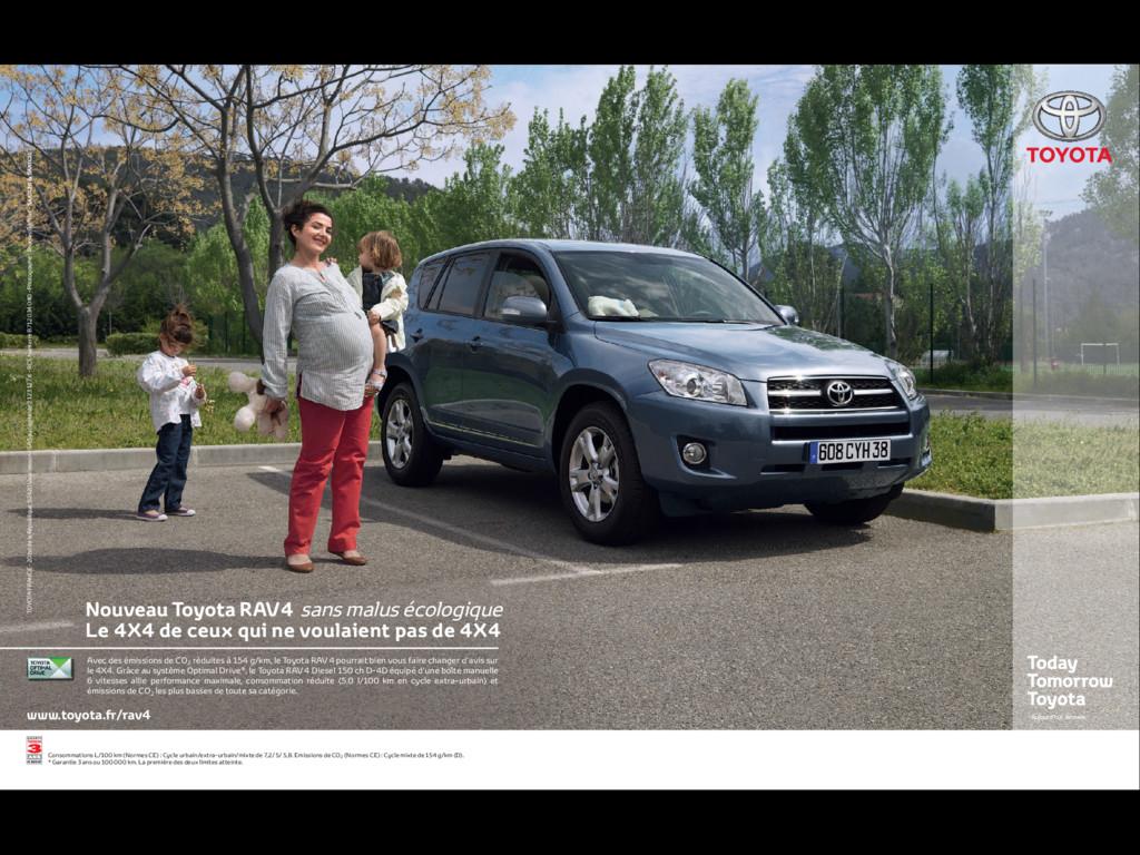 www.toyota.fr/rav4 Avec des émissions de CO2 ré...