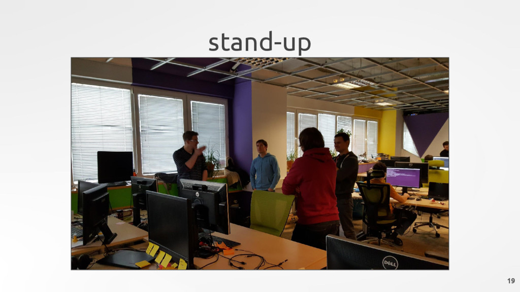 stand-up 19