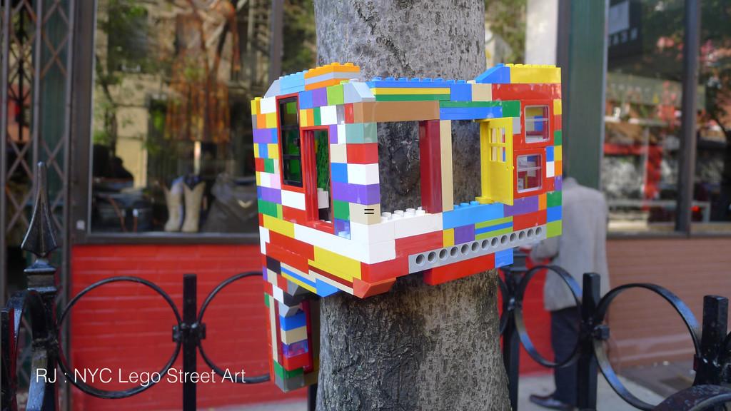 = RJ : NYC Lego Street Art