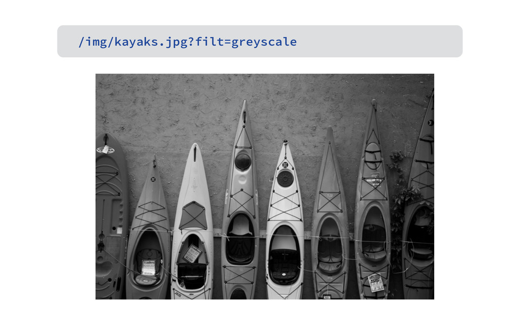/img/kayaks.jpg?filt=greyscale