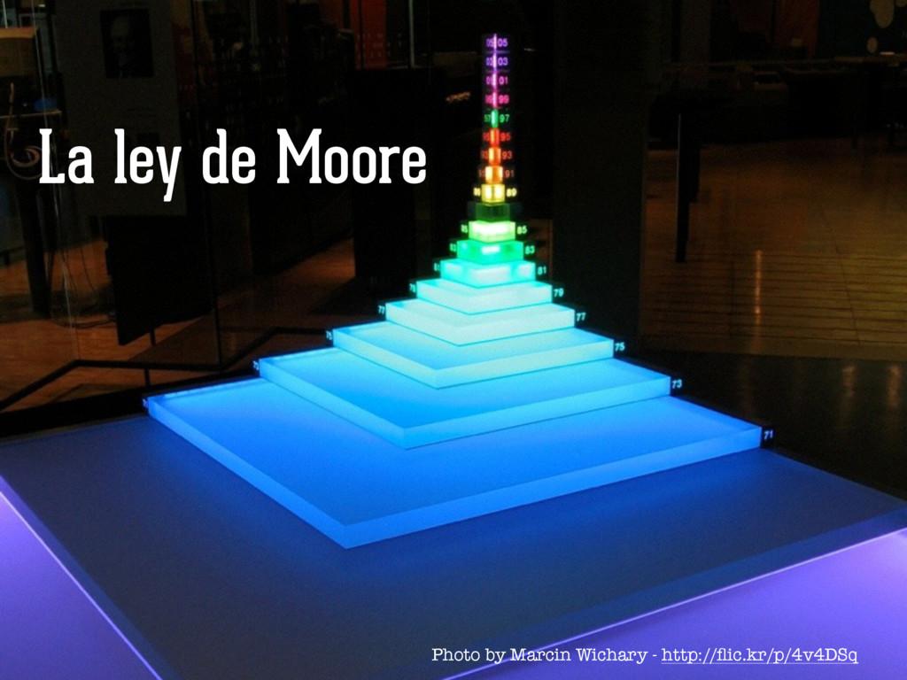 La ley de Moore Photo by Marcin Wichary - http:...