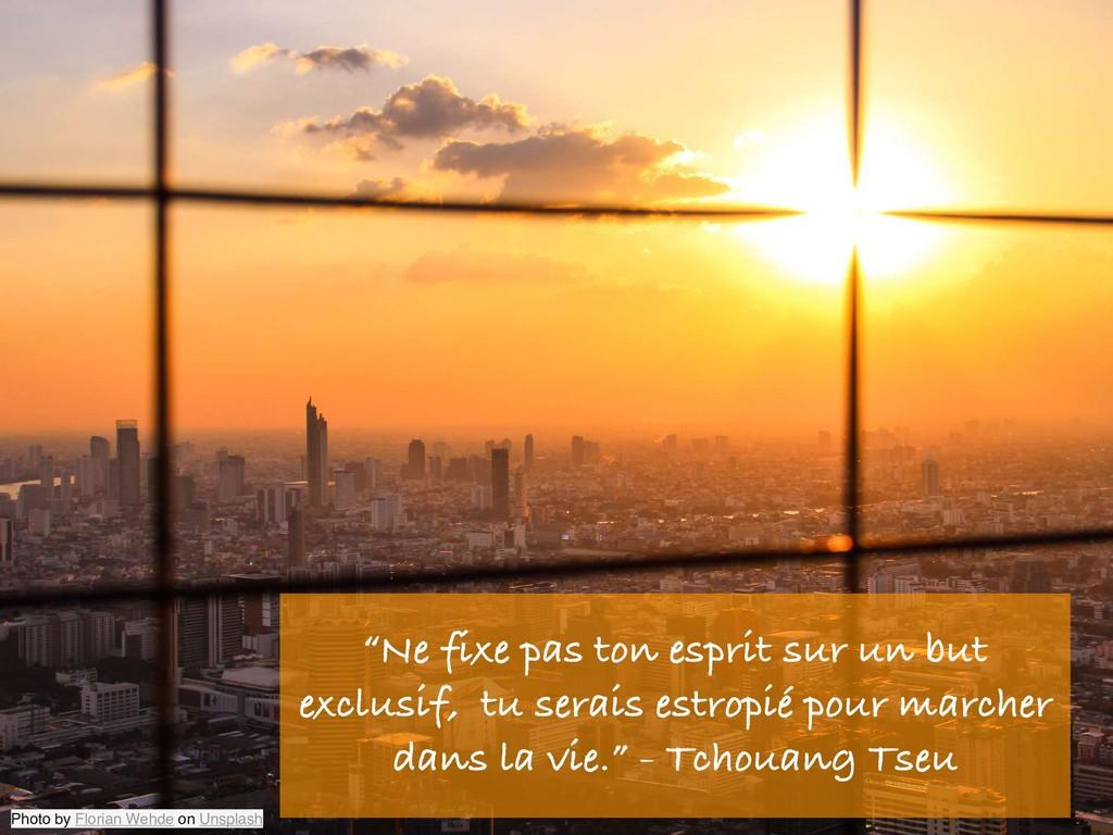 "Photo by Florian Wehde on Unsplash ""Ne fixe pas..."