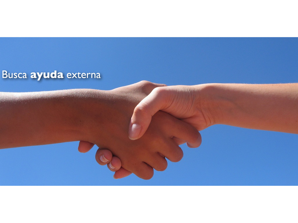 Busca ayuda externa
