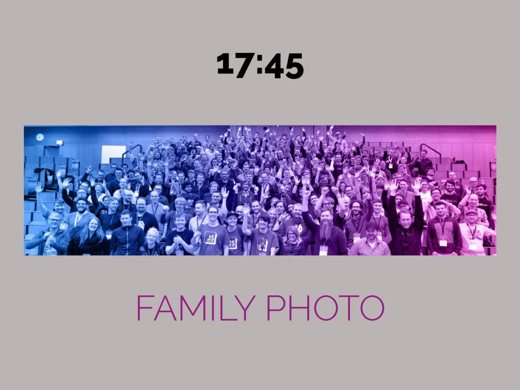 FAMILY PHOTO 17:45