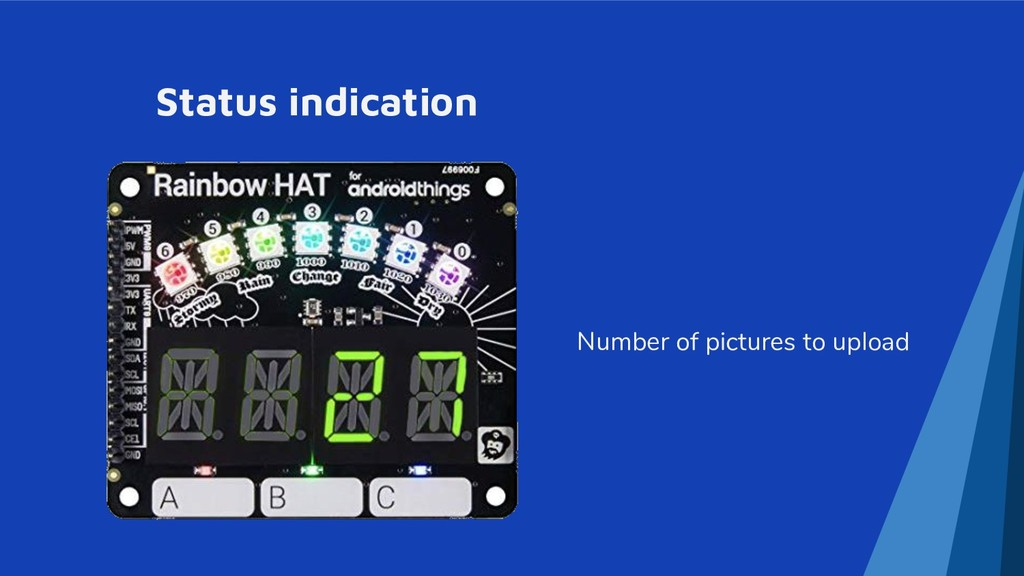 Status indication Number of pictures to upload