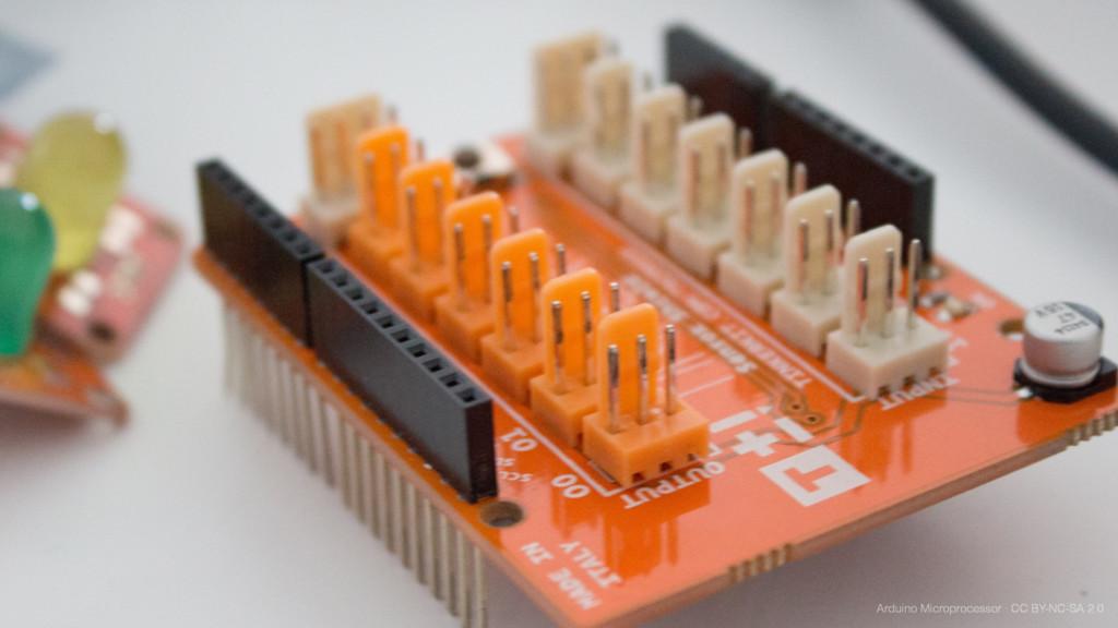 Arduino Microprocessor · CC BY-NC-SA 2.0