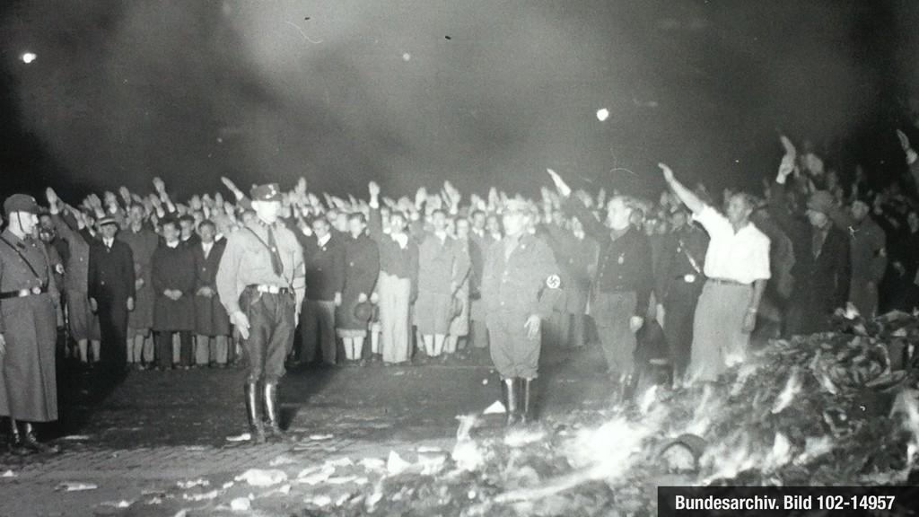 @axbom Bundesarchiv. Bild 102-14957