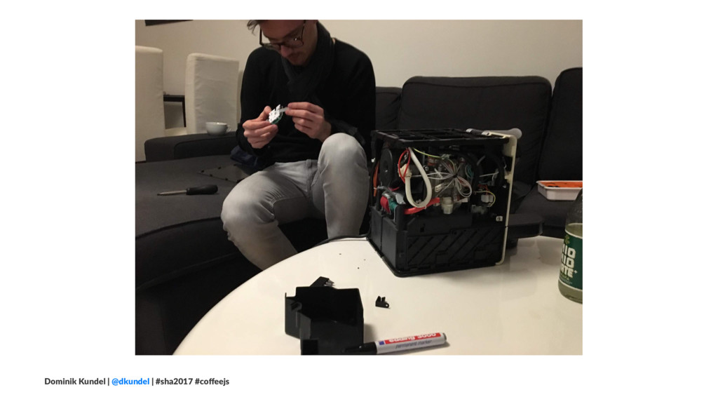 Dominik Kundel | @dkundel | #sha2017 #coffeejs