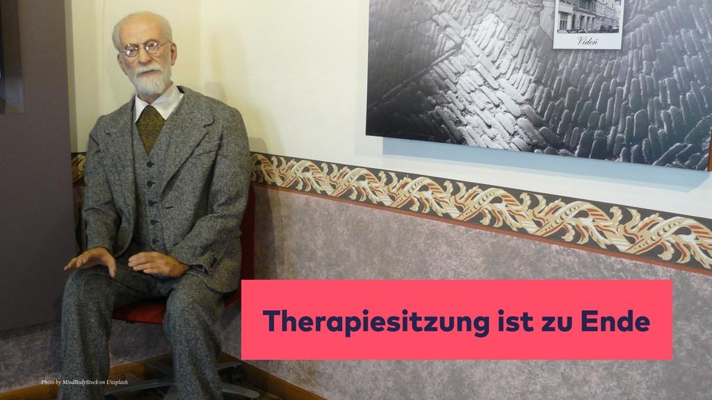 Therapiesitzung ist zu Ende Photo by MindBodySt...