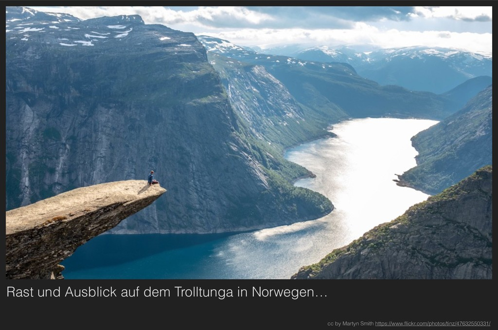 Rast und Ausblick auf dem Trolltunga in Norwege...
